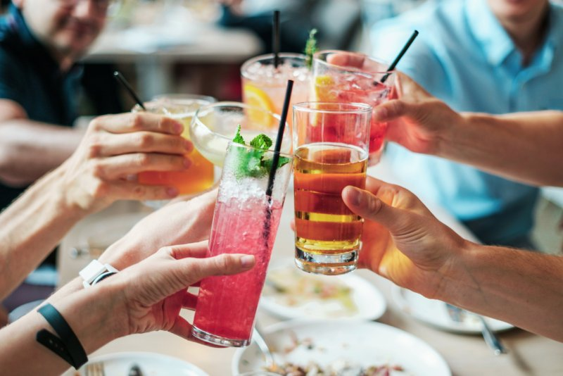 バーテンダーが選ぶ【家飲み用グラス3種類】カクテルグラス・ロックグラス・タンブラー